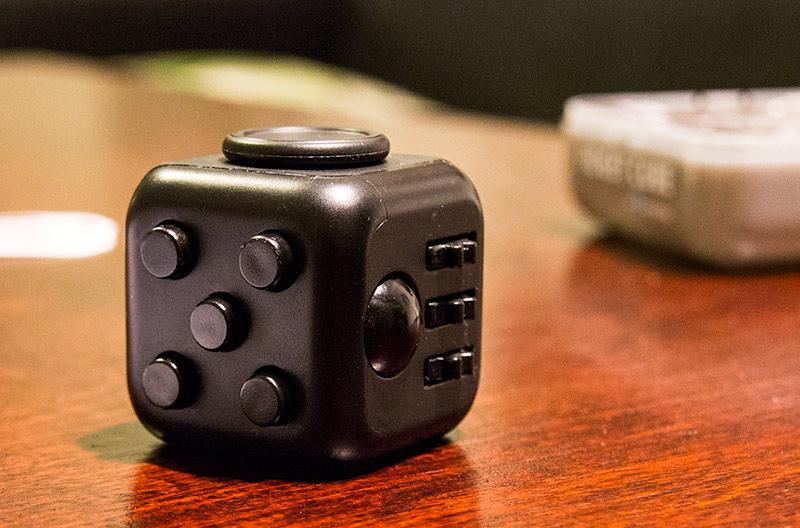 Fidget Cube - näperryskuutio 4