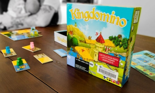 Kingdomino - Spiel des Jahres 2017 palkinnon voittajan arvostelu 2