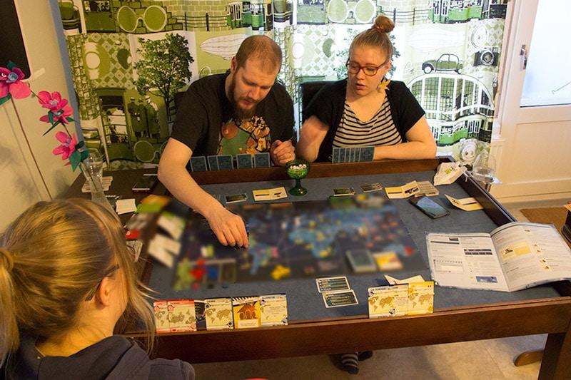 Lautapelipöytä Pandemic Legacy