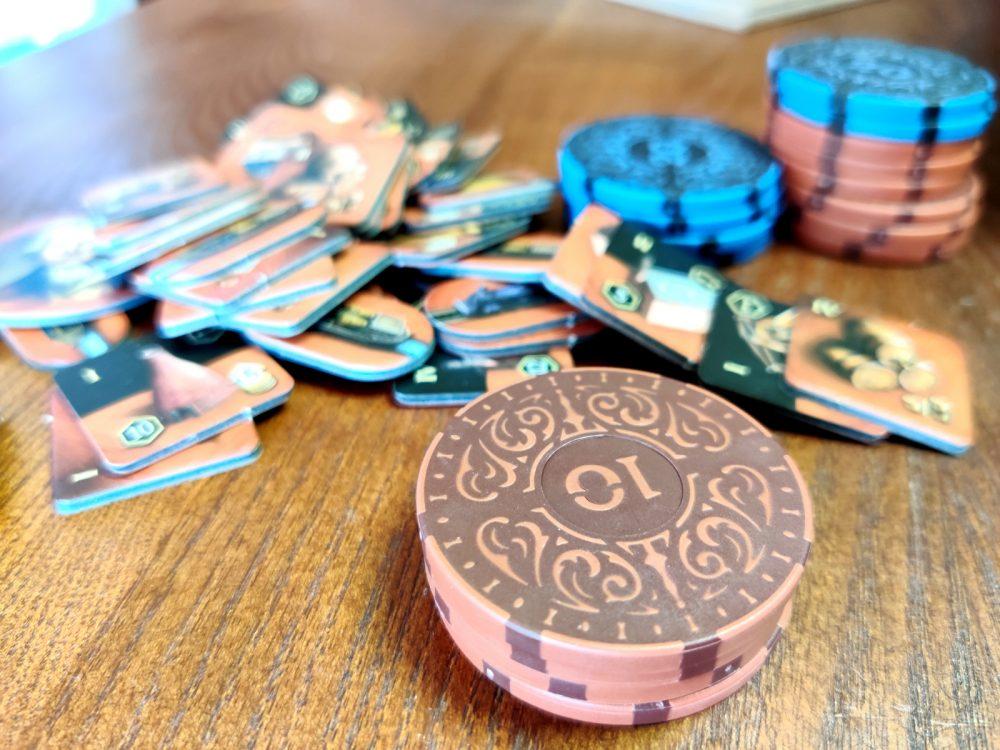 Pokerimerkit lautapelirahoina? Arvostelussa Roxley Gamesin Iron Clays pelimerkit 4
